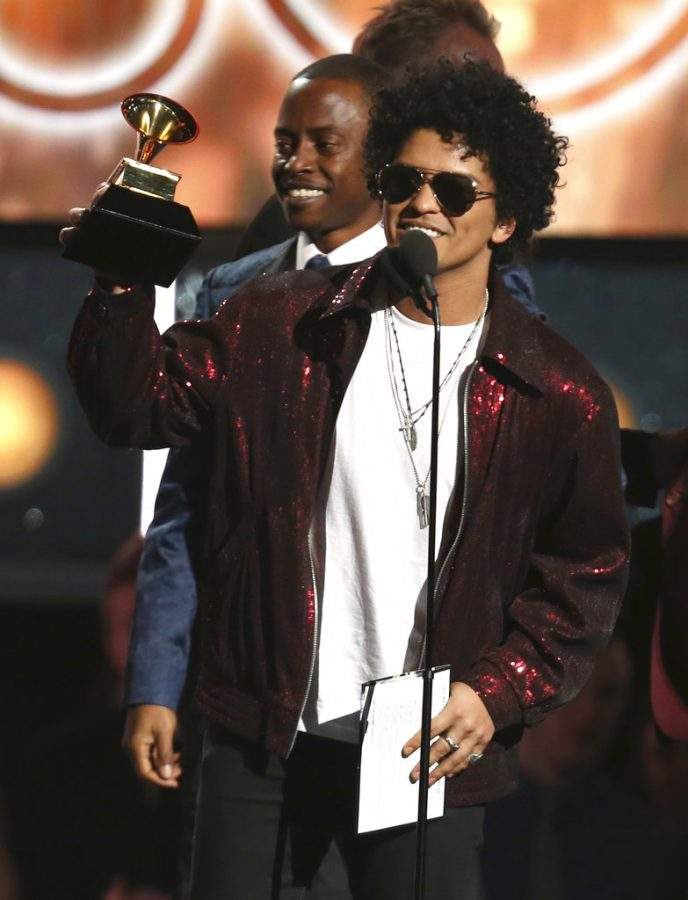 Bruno+Mars+accepting+one+of+his+many+Grammy%27s+for+%22That%27s+What+I+Like.%22+